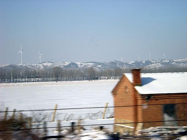 091226和諧号車窓から風力発電