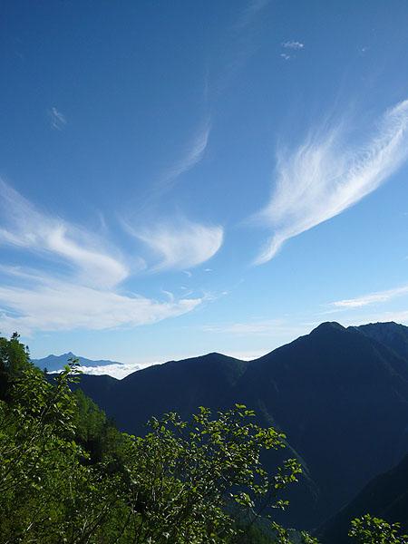 100718鳳凰三山に雲