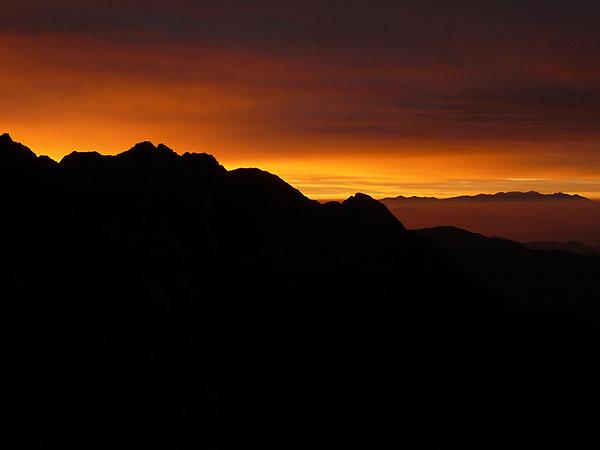100808西穂高岳独標の夜明け