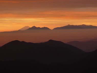 100808西穂高岳独標から富士山