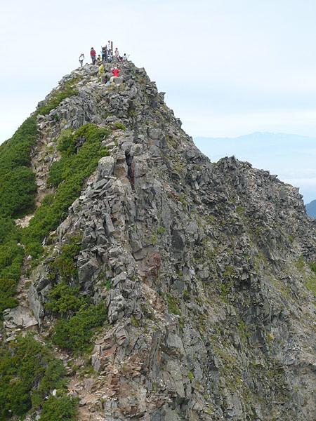 100808西穂高岳山頂を振り返る