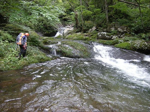 100925大東岳大行沢の釜の深い小滝