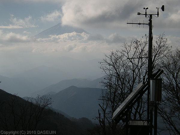 101121丹沢・鍋割山から富士山