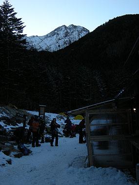 101219朝の赤岳鉱泉