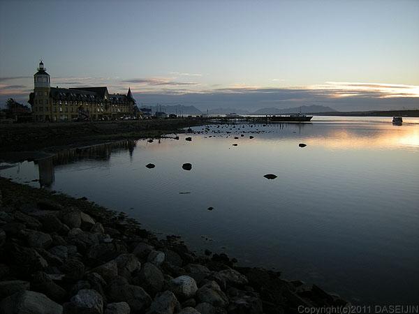 110101プエルト・ナタレス、夕暮れのエスペランサ湾