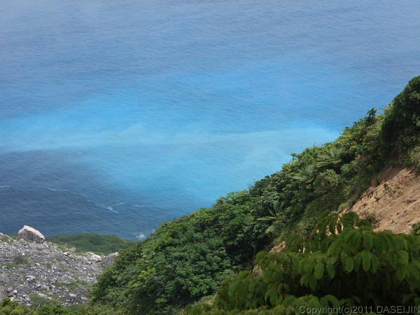 110501小笠原母島石門崩落跡から海を眺める