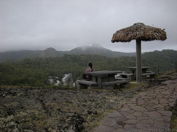 110504小笠原父島大上山公園展望台から三日月山方面