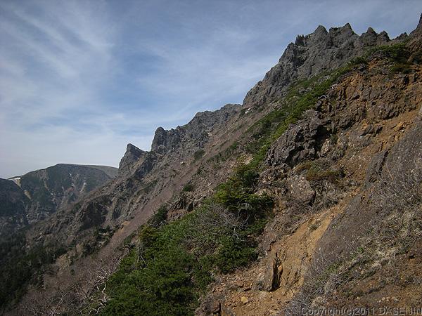 110604八ヶ岳地蔵尾根から横岳