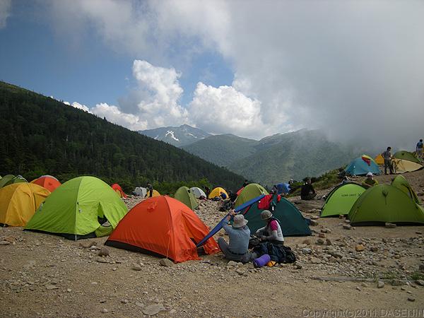 110716薬師峠はテントがいっぱい