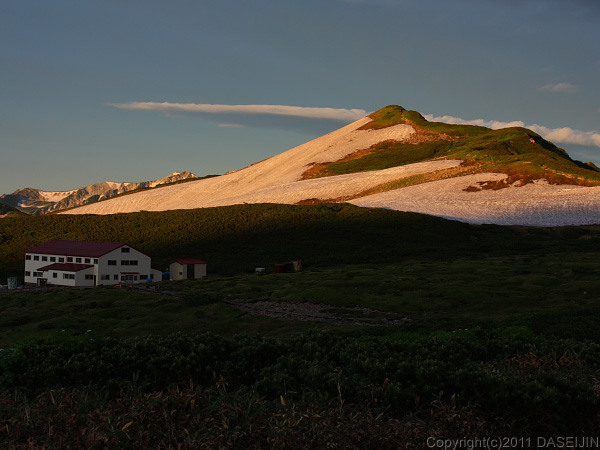 110718鳶岳のモルゲンロード