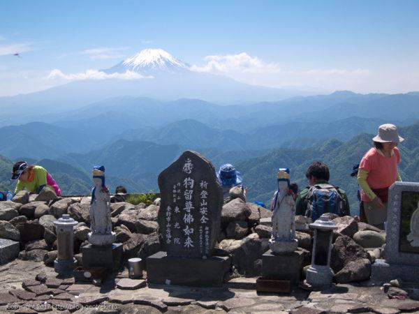 170527塔ノ岳山頂