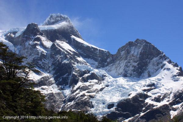 171117フランセス氷河の雪煙