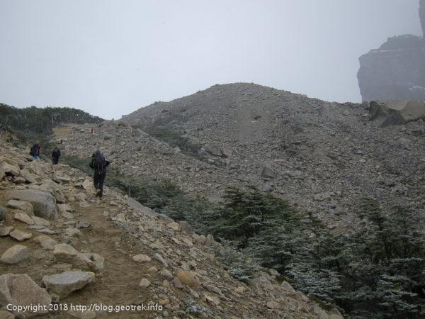 171118 トレス・デル・パイネの展望台への登り