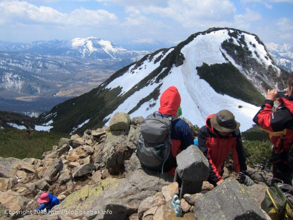 180505 燧岳山頂から尾瀬ヶ原、至仏山
