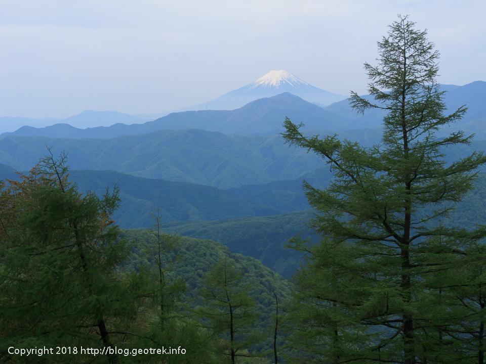 180512 石尾根から富士山
