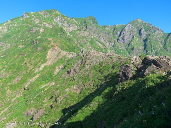 180714 谷川岳山頂を臨む