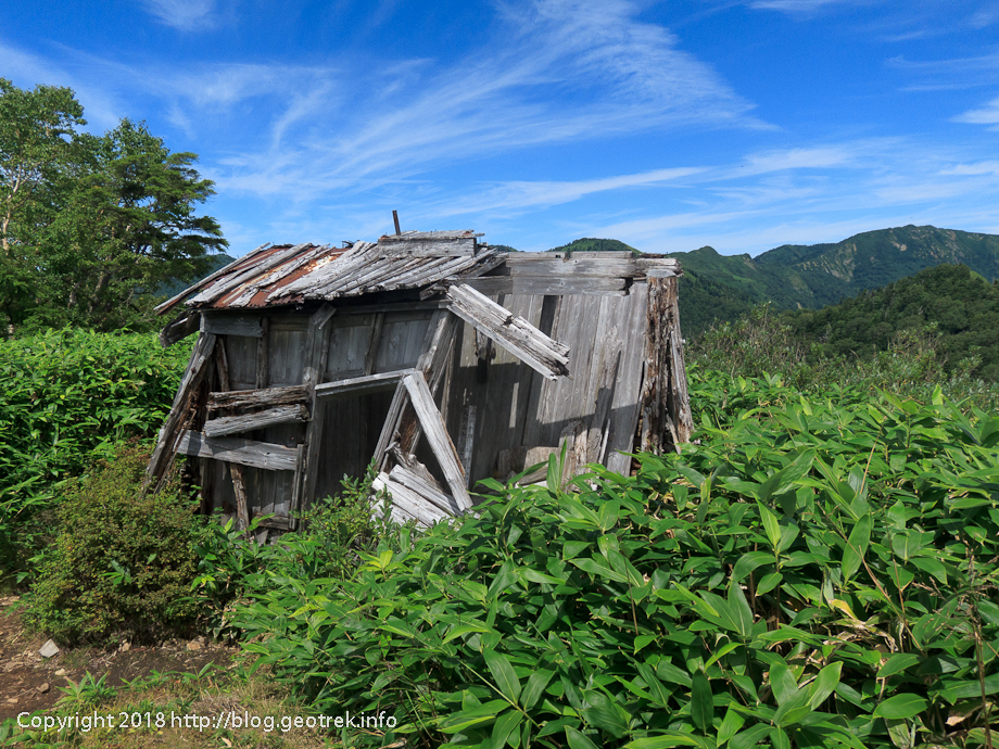 180818 八間山山頂の小屋
