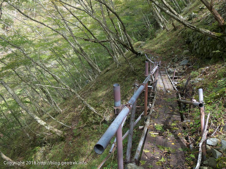 181007 雨山峠への尾根道