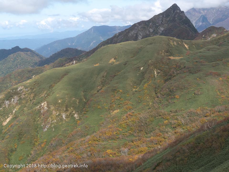 181013 蓬峠から清水峠の紅葉