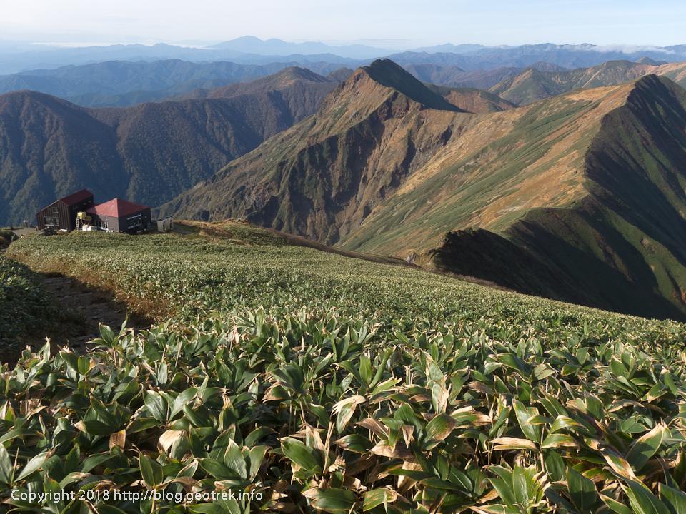 181013 肩の小屋と国境稜線