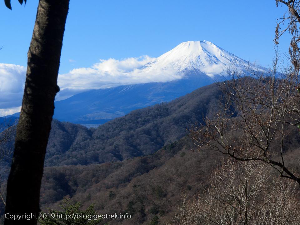 181123 畦ヶ丸の先から富士山