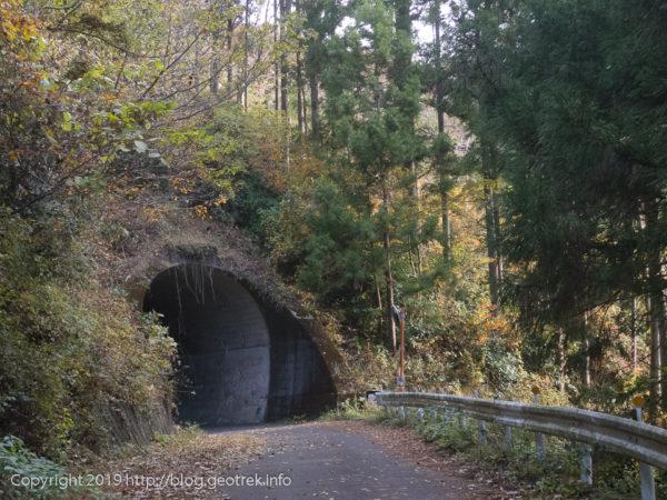 181127 登山口のトンネル