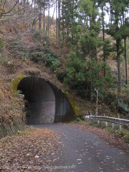 181208 登山口のトンネル