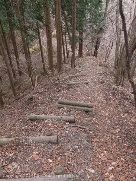 181208 醍醐丸から連行峰への階段