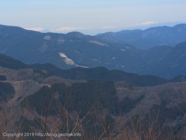 棒ノ折山から谷川、国境稜線