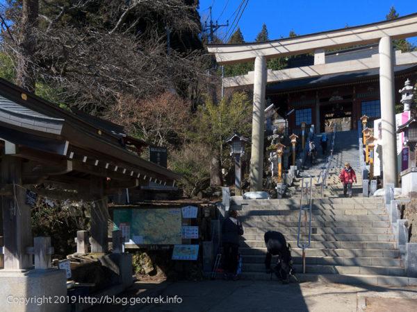 御嶽神社 鳥居