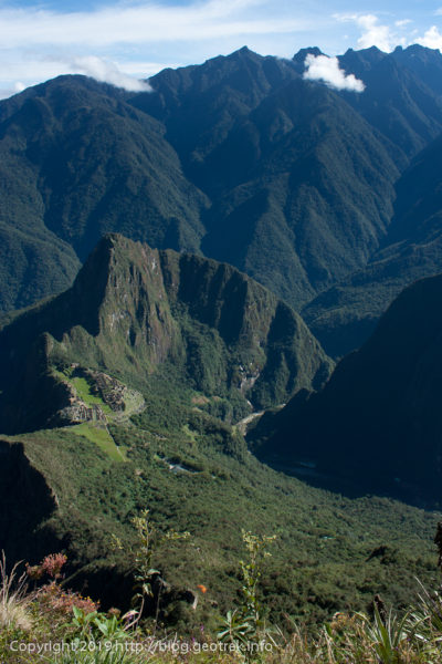 190501 マチュピチュ山山頂からマチュピチュを見下ろす