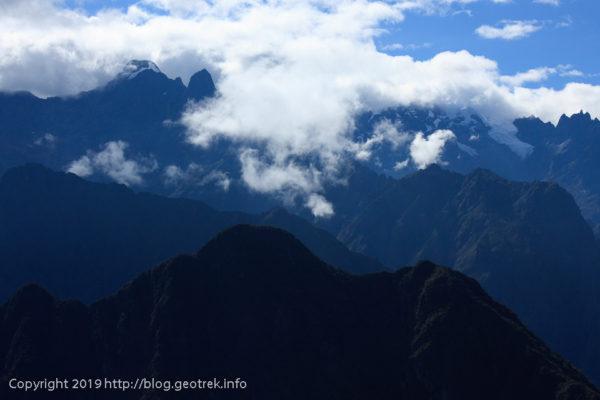 190501 氷河を頂いた山々