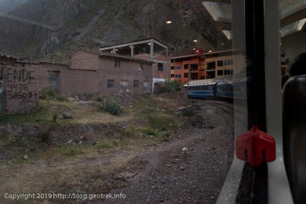 190501 列車は街に入る