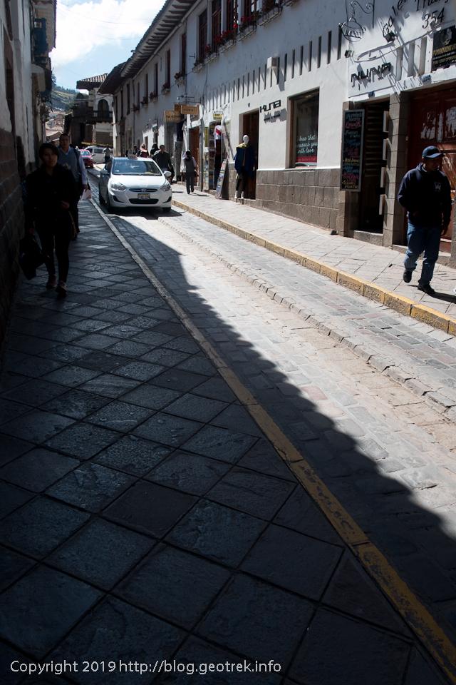190502クスコの石畳の道