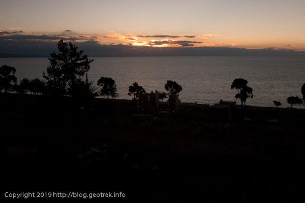190504チチカカ湖に沈む夕日