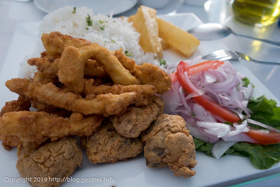 昼食は魚のフライ