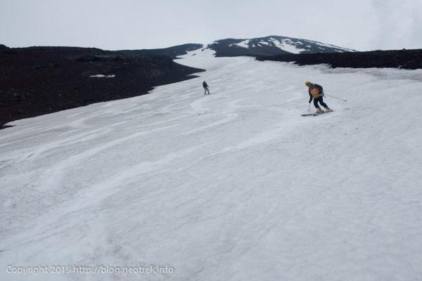 190526 小御岳流しを見上げる