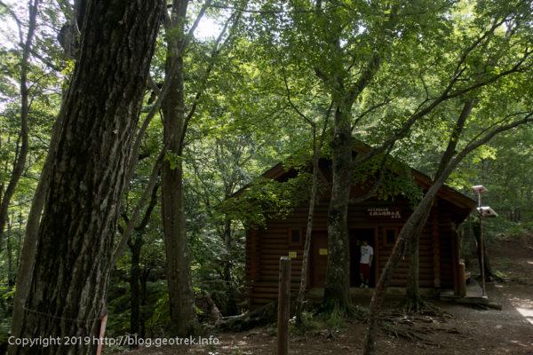 190721 三頭山避難小屋