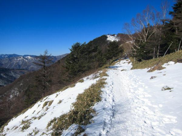191229 石尾根、雲取山が近い