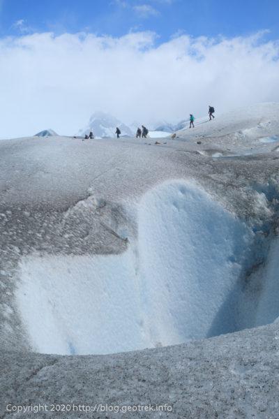200121 ペリト・モレノ氷河トレック、クレバスの向こうには別の隊