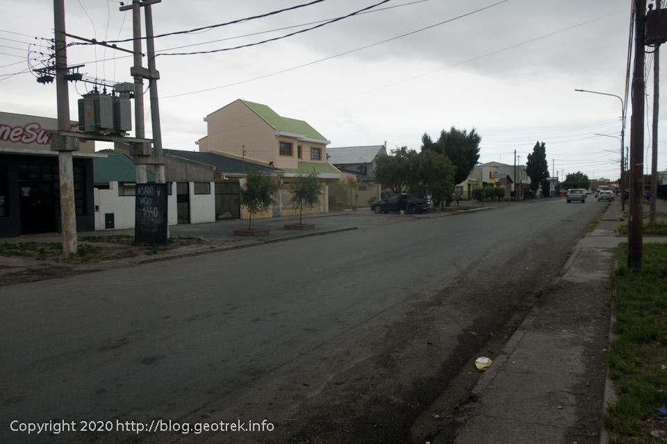 200122 リオ・ガジェゴスバスターミナルの近くの道
