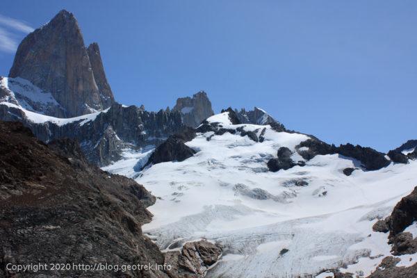 200118 フィツロイ・トレッキング、トレス氷河にクライマーがいる