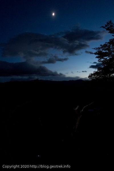 200119 フィツロイ・トレッキング、トレス湖への急登の途中
