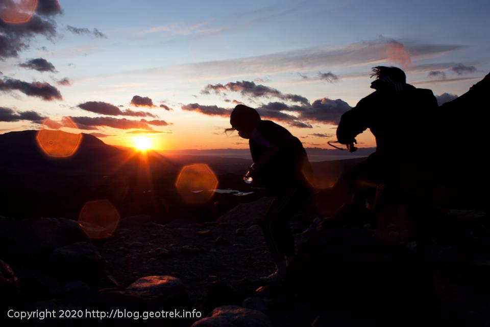 200119 フィツロイ・トレッキング、日が昇り始めた