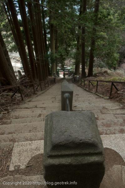 200307 阿夫利神社への下りの階段