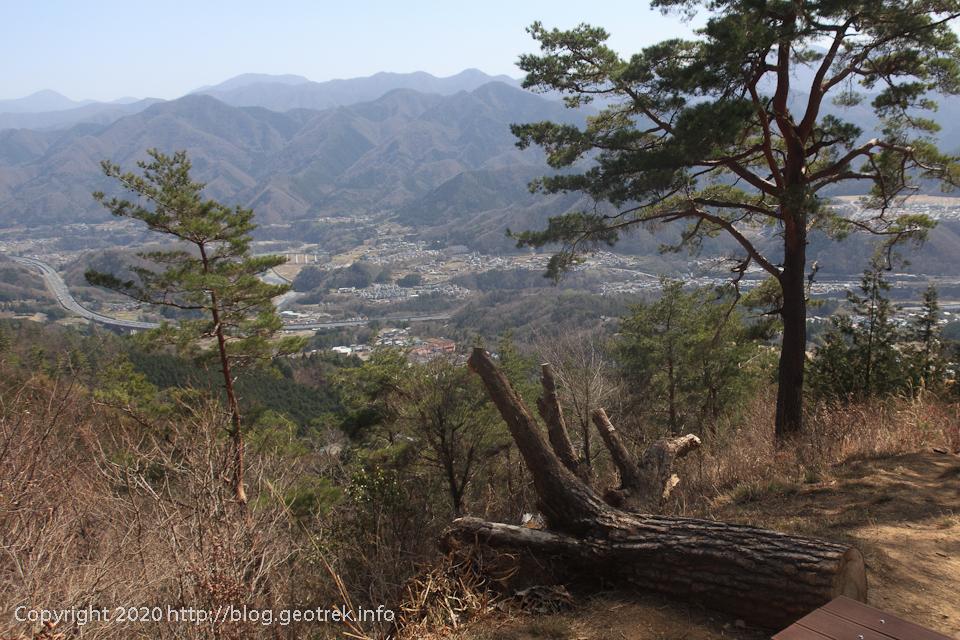 200321 百蔵山山腹の展望台