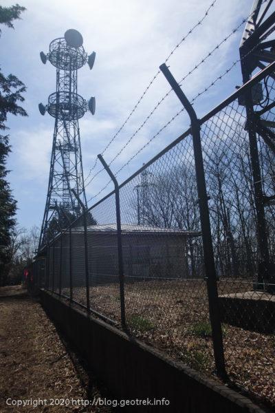 20321 雨降山の電波塔