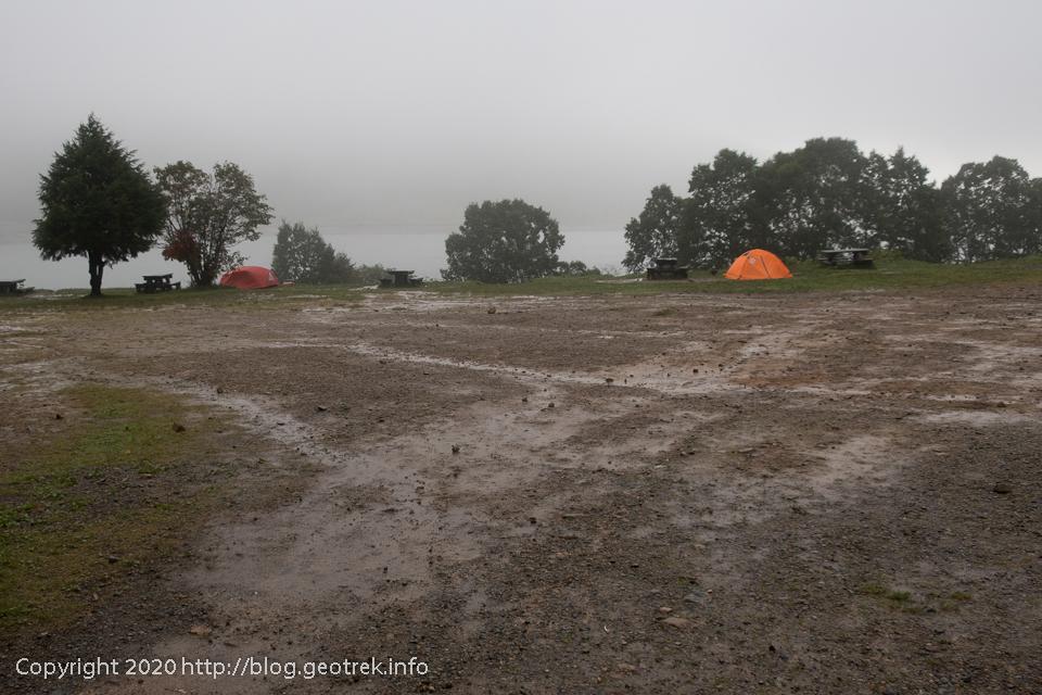 200928 雨の野反湖キャンプ場