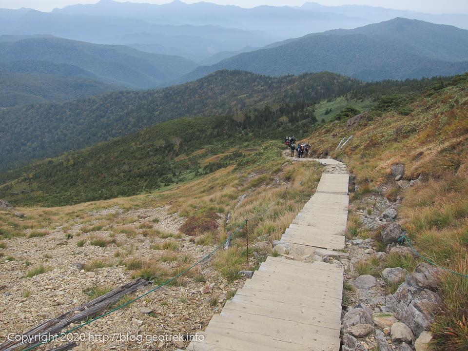 201004 至仏山から笠ヶ岳分岐への下り