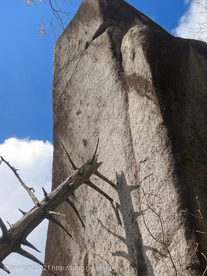 201108 大石山の大石